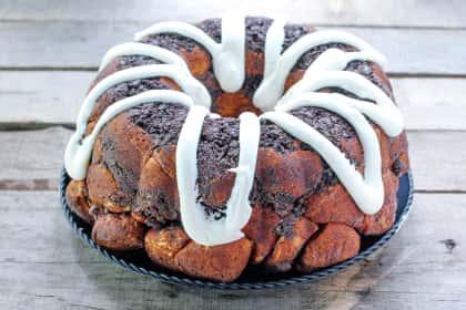 Cookies & Cream Monkey Bread