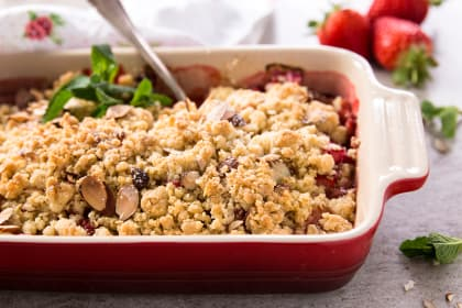 Strawberry Rhubarb Crisp with Almonds