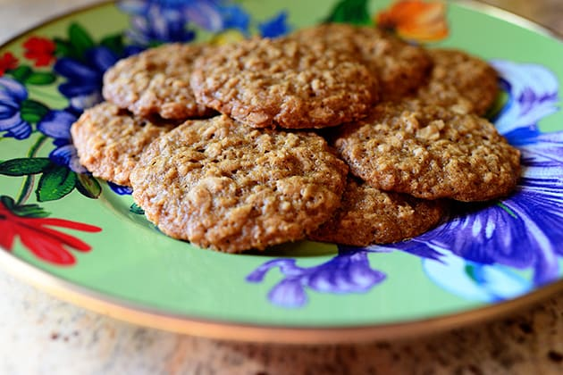 Pioneer Woman Oatmeal Chocolate Chip Cookies