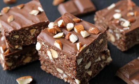 Gluten Free Chocolate Almond Oat Bars