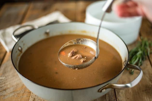 棕色温莎汤图像