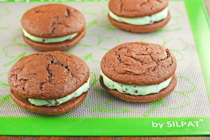 Mint Chocolate Chip Whoopie Pies