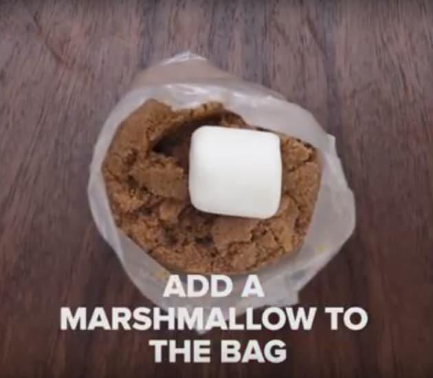 Marshmallow in Brown Sugar