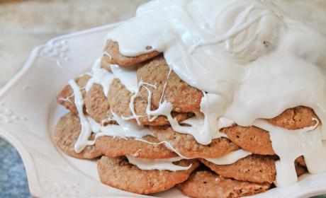 Oatmeal Cream Pie Cookie Cake Recipe