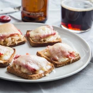 Mini reuben toasts photo