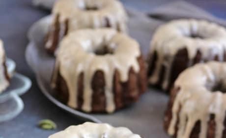 Buckwheat Banana Mini Bundt Cakes Image