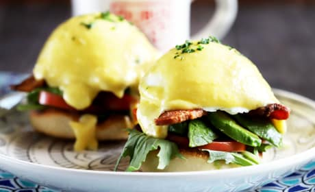 BLAT Eggs Benedict Photo