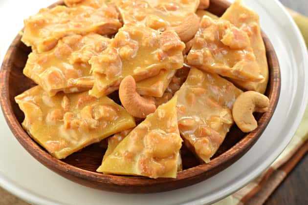 Cashew Brittle - Food Fanatic