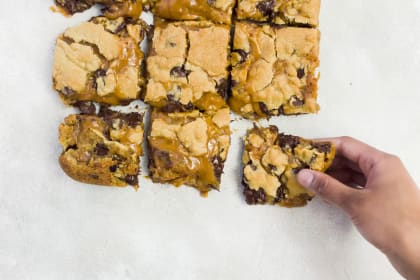Caramel Cookie Bars