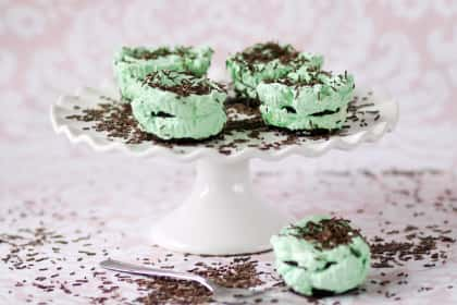 11 Chocolate Cupcake Recipes That Will Help You Win the War