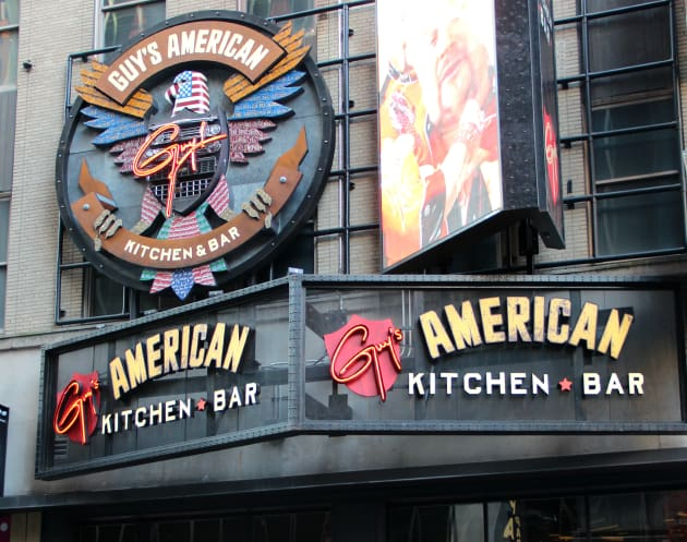 Restaurant Review Guy S American Kitchen Bar In Times Square