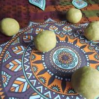 Nei urundai / Ghee truffles