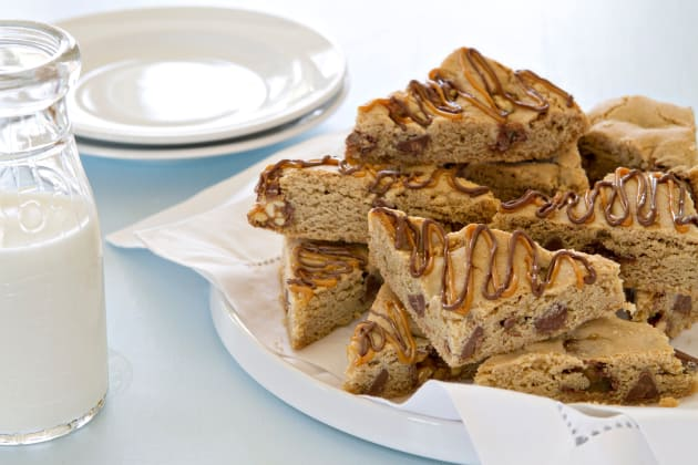 Snickers Chocolate Chip Cookie Bars Photo