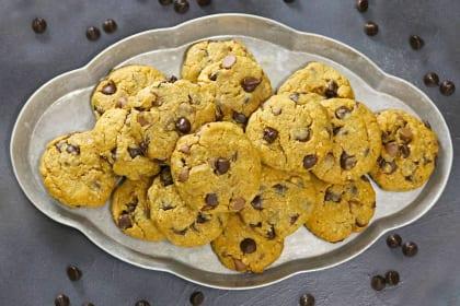 Gluten Free Chocolate Chip Peanut Butter Cookies