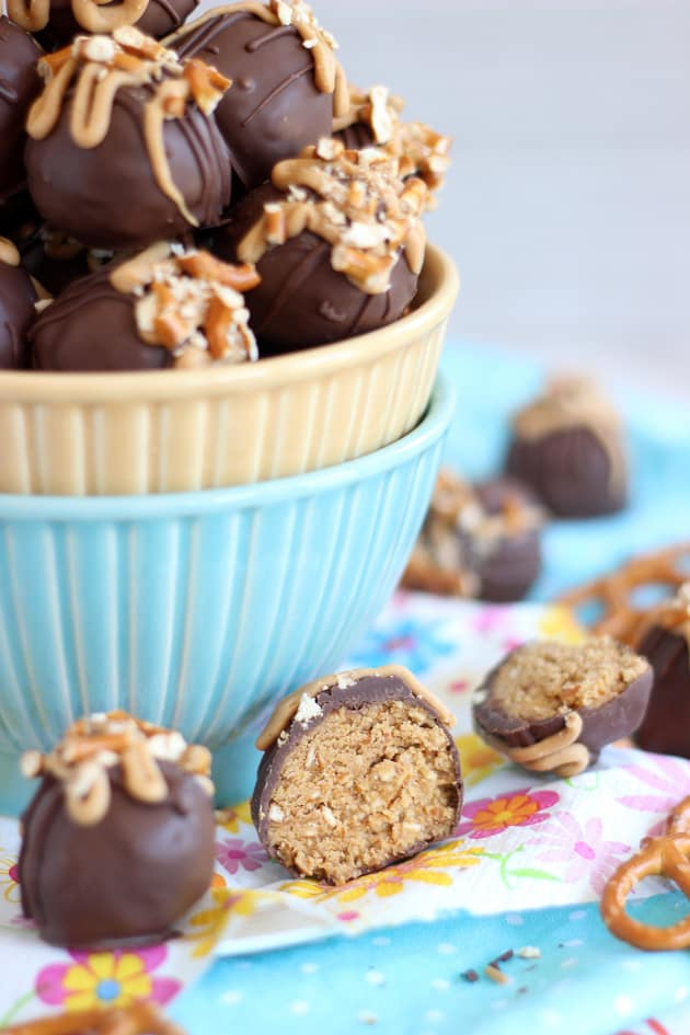 Peanut Butter Pretzel Truffles Pic