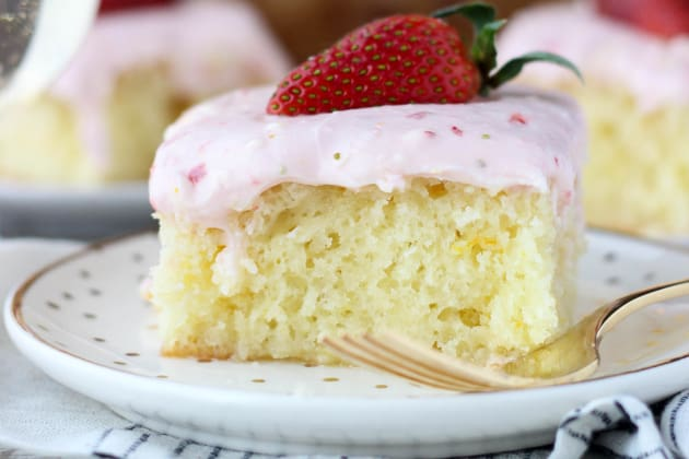 Strawberry Champagne Cake Photo