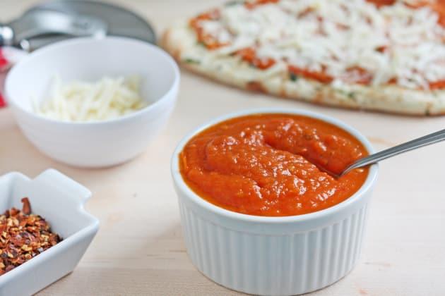 fresh tomato pizza sauce recipe food fanatic