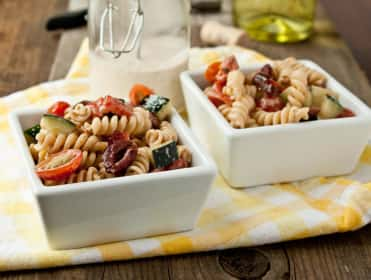 Creamy Greek Pasta Salad: Light and Luscious