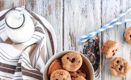 Mini Chocolate Chip Peanut Butter Cookie Cups Picture
