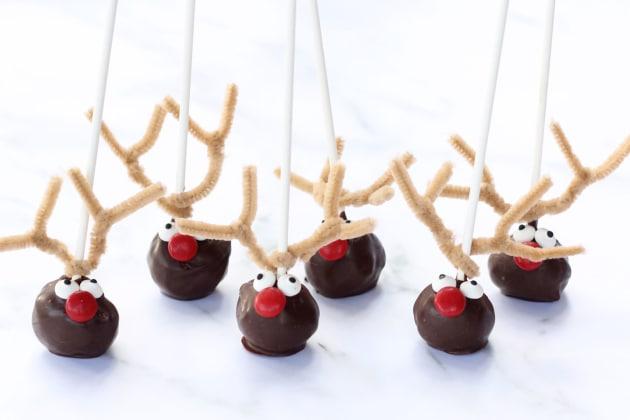 File 2 Reindeer Cake Pops