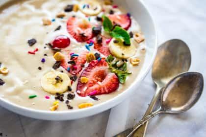 Vegan Banana Split Smoothie Bowl