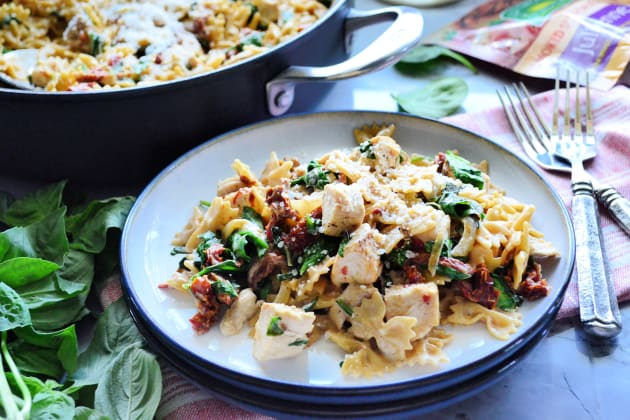 One Pot Creamy Smoked Sundried Tomato Pasta Image