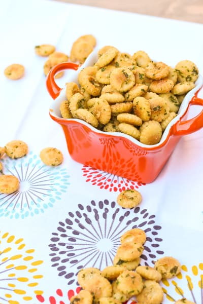 Seasoned Oyster Crackers Picture