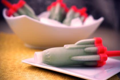 Homemade Green Monster Popsicles: Healthy Summer Fun for the Kids