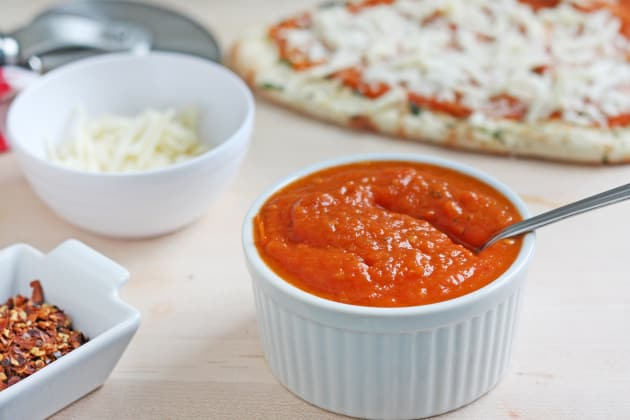 Fresh Tomato Pizza Sauce Photo