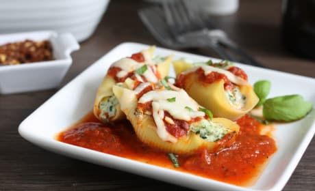 Spinach and Tofu Stuffed Shells Recipe