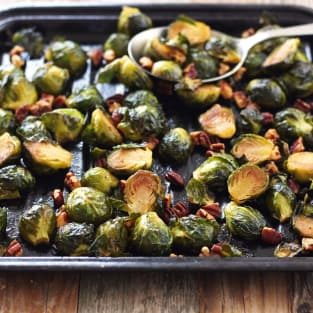 Maple roasted brussels sprouts with sriracha photo
