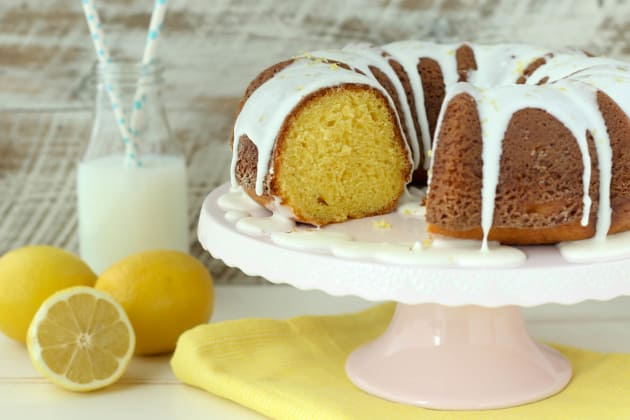 Easy Lemon Bundt Cake Photo