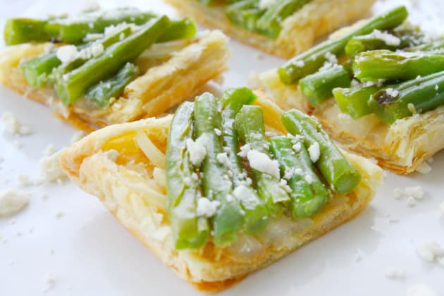 Grilled Green Bean and Onion Tarts Photo