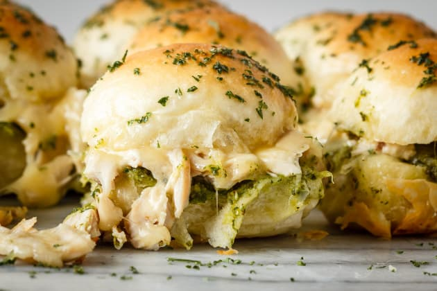 Pesto Chicken Pull Apart Sliders Image