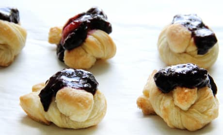 Easy Puff Pastry Blueberry Knots Recipe