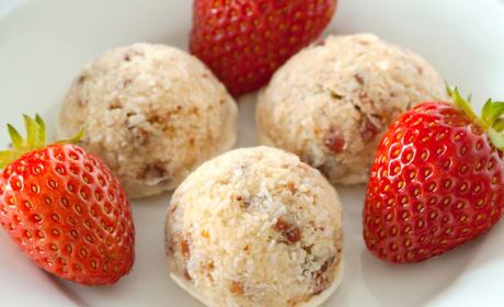 Gluten Free Strawberry Coconut Macaroons Recipe