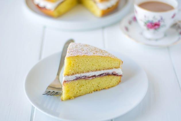 Victoria Sponge Cake Picture