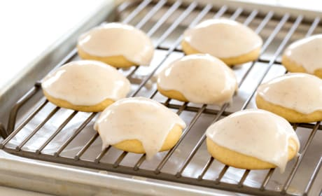 Vanilla Cookies with Vanilla Bean Glaze Pic