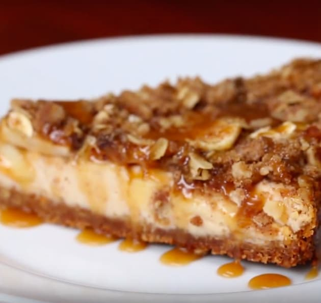 Baked Caramel Apple Crumble Cheesecake