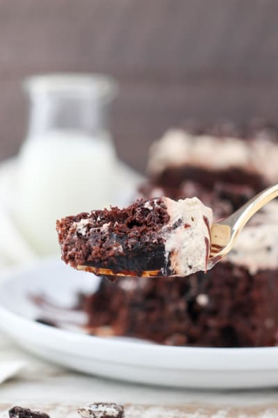 Mocha Oreo Poke Cake Picture