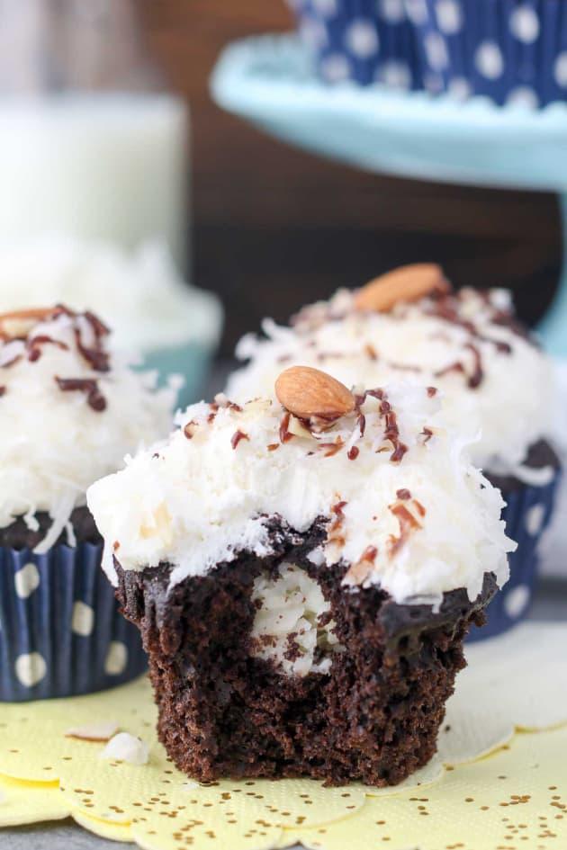 Almond Joy Cupcakes Pic