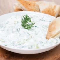 Garlic Olive Oil Yogurt Dip (Tzatziki)