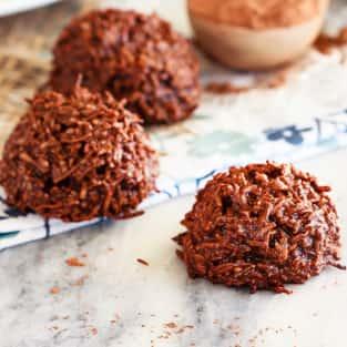 Chocolate coconut macaroons photo