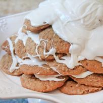 Oatmeal Cream Pie Cookie Cake Recipe