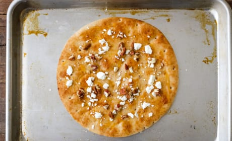 Cheddar Apple Pita Pizza Image