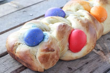 Italian Easter Bread: Brightly Colored Tradition