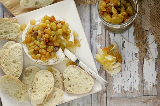Baked Brie with Chardonnay Raisins Image