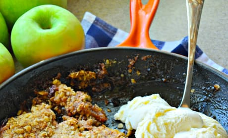 Skillet Apple Crisp Picture