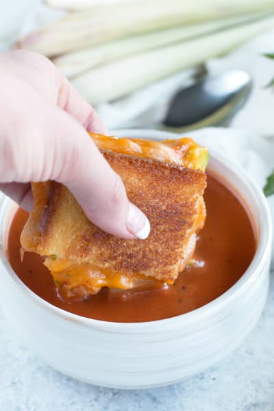 File 1 Avocado Kimchi Grilled Cheese with Thai Spiced Tomato Soup