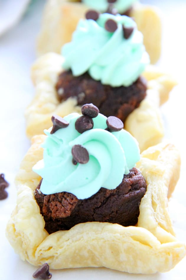 Mint Chocolate Brownie Cups Picture